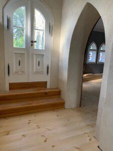 Sanierter Fußbodenaufbau - Zugang zum Turmzimmer im 1. OG